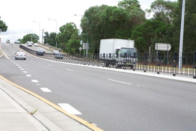 Center of road Pedestrian Fencing
